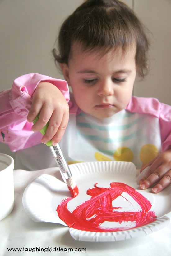 Painting paper plate poppy