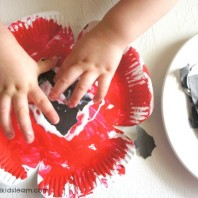 Paper plate poppy craft for kids