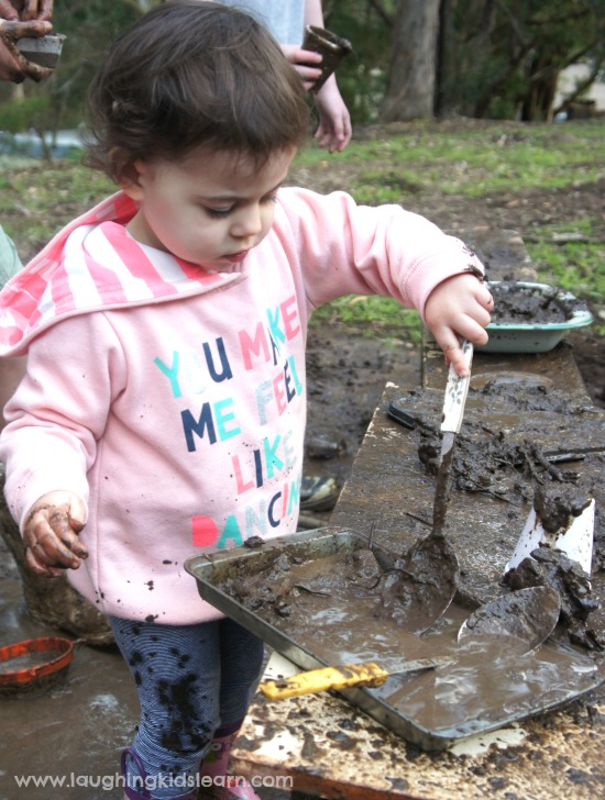 Mud kitchen playing and making