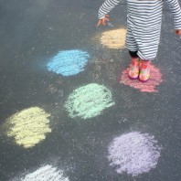 Learning colours with chalk and water