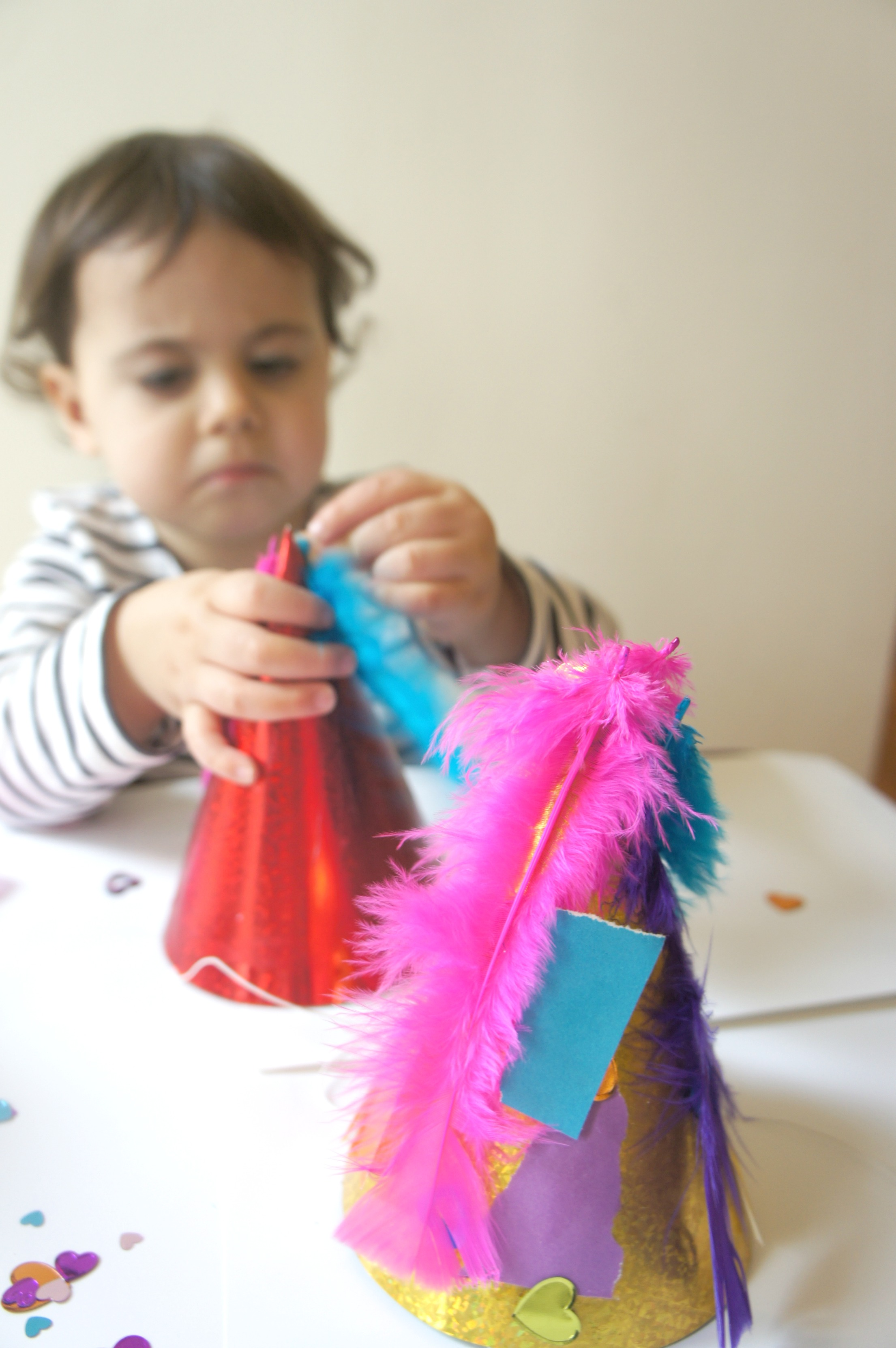 decorating party hats