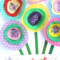 Paper cupcake flower craft for kids to make for spring