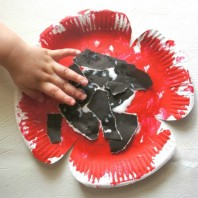 Paper plate poppy craft for kids to make for veterans or remembrance day