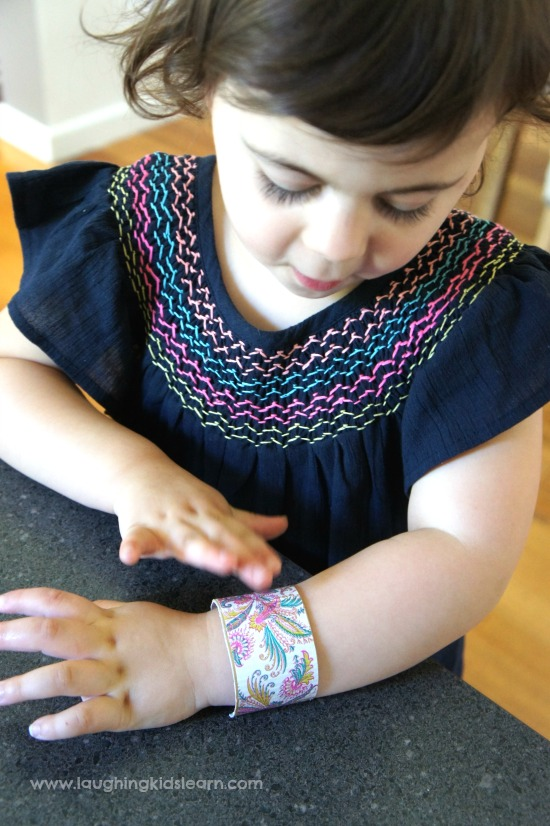 making simple wrist bands for kids