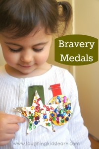 Craft in making bravery medals. Great activity for ANZAC Day and teaching children about bravery.