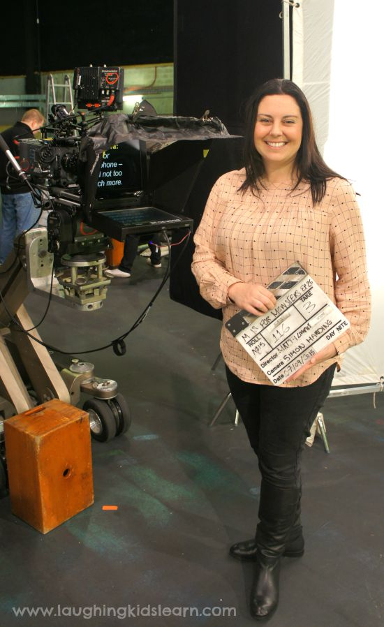 Holding clapper board