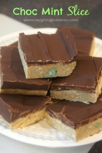 Quick and easy chocolate mint sliceocolate mint slice