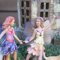 How to make a small world mobile fairy garden for indoor and outdoor use