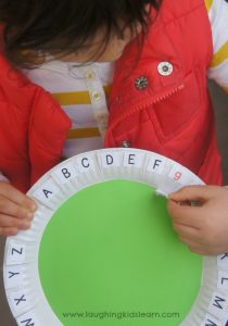 Upper and lower case letters teaching tool for kids
