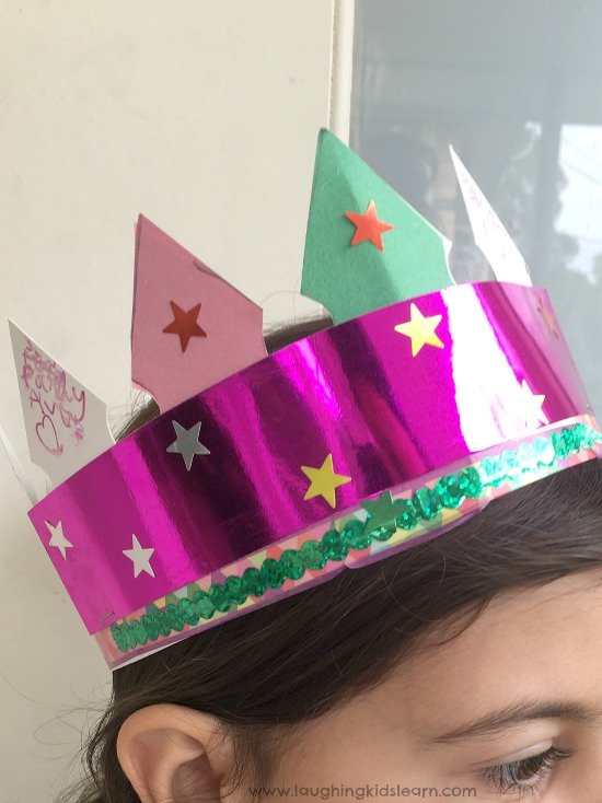 Queen's crown simple craft for kids