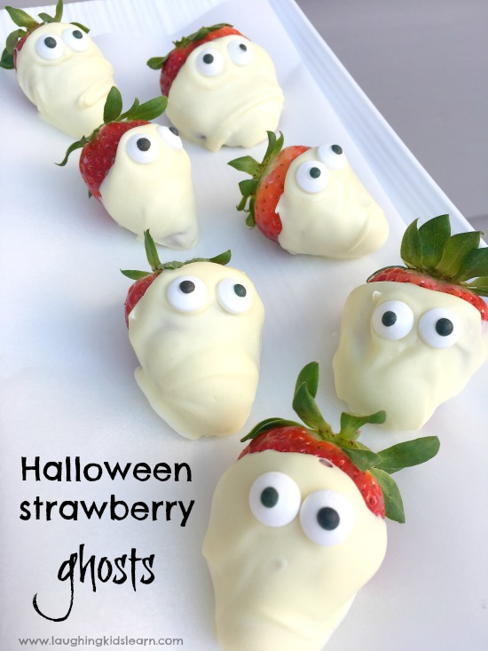 delicious chocolate halloween strawberry ghosts