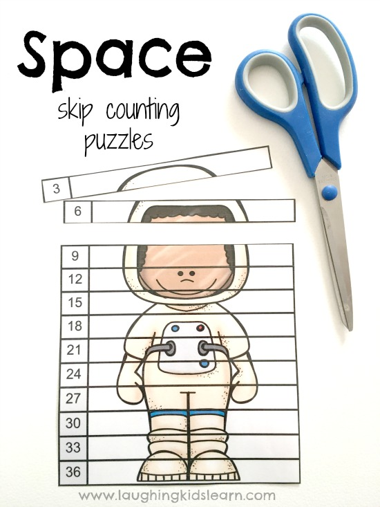 Space theme skip counting to help children learn about multiplication.