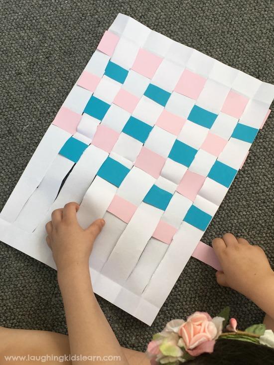 #papercraft #paperbag #preschool #school #campingactivities #camping #lovetomake #diybag #kidscrafts #lovetomake #waldorf #homeschooling #playathome #papercrafting #paper #makewithpaper
