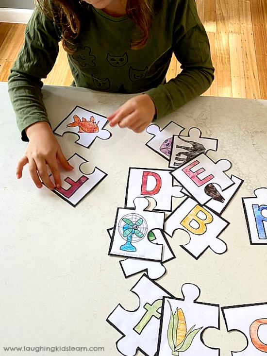 This alphabet beginning sounds puzzle is large in size. love to learn beginning sounds alphabet puzzle.