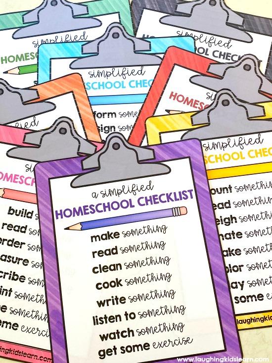 Free homeschool checklists for parents to use with children. #homeschool #homeschooling #digitallearning #digitallearningtools #educationalactivities #learningideas