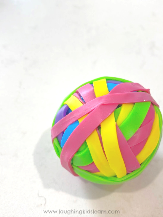 Lots of fun to make DIY toy rubber elastic bouncy bounce ball. Simply using rubberbands #science #bouncyball #rubberball #elasticball #madeelasticball #homemadetoys #rainbowtoy #rainbowcolors #lovetocraft #kidscraft #gravityscience #kidsphysics #rubberbounycball #diytoys #diytoy #indoorplay #indoorfun #isolationplay #rubberbands #scienceathome #schoolscience #rubberbands #elasticbands