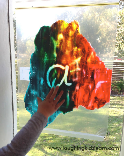 Simple mess free painting activity that children will love